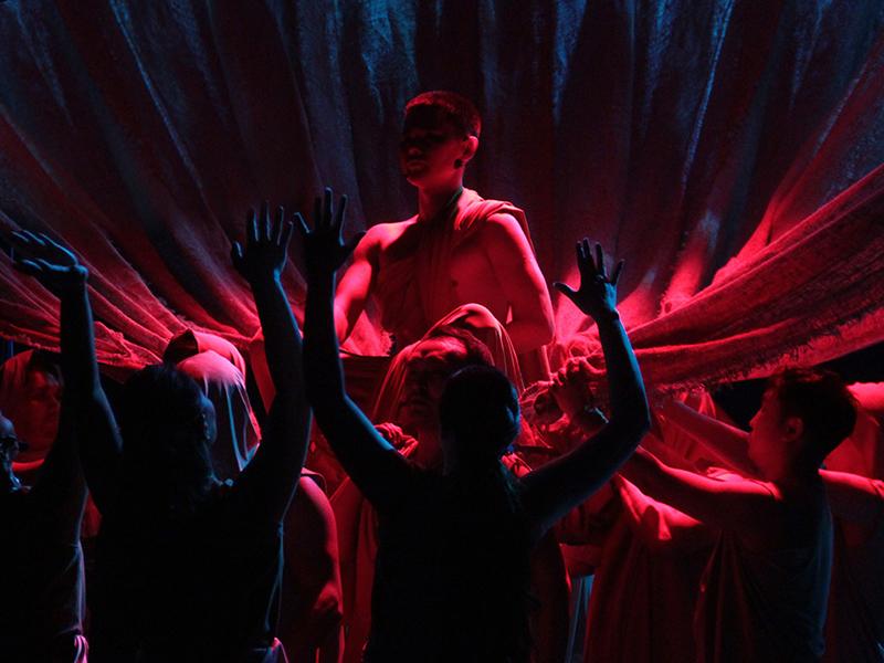 Калмыцкий национальный драматический театр отправился в гастрольный тур по Алтаю, Бурятии и Тыве