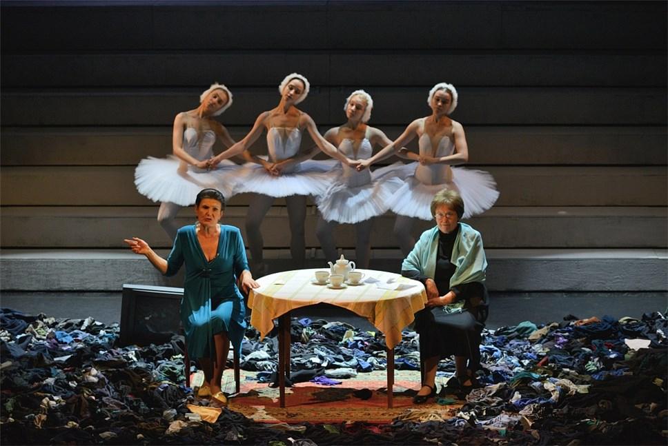 «Большие гастроли». Омсква: театры, связанные историей
