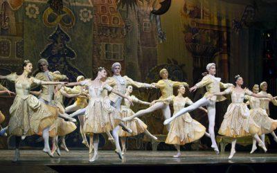 В Чебоксарах проходят гастроли Академического театра классического балета Н. Касаткиной и В. Василёва